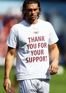 West Ham striker Carroll suffers new foot injury