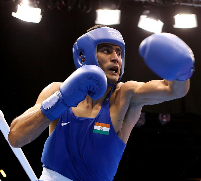 Vijender, Devendro on fire as 4 Indian boxers enter CWG finals
