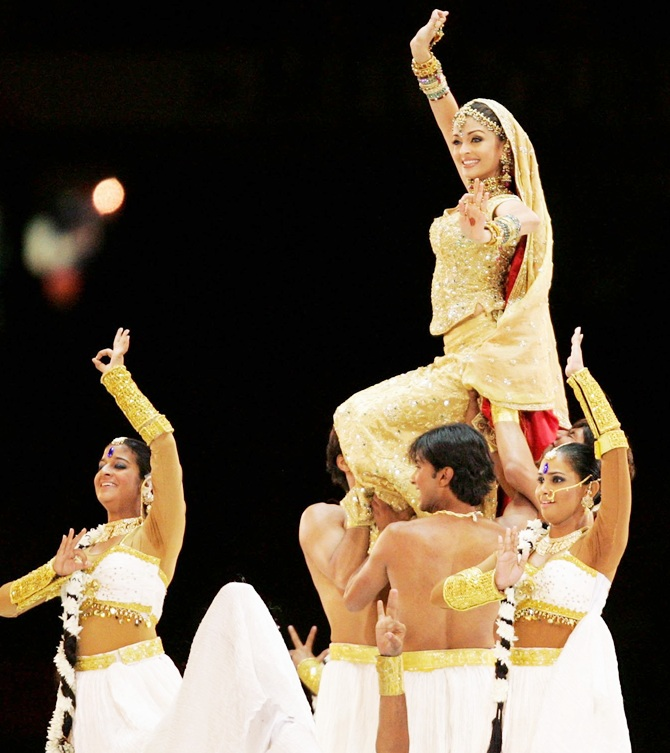 Bollywood actress Aishwarya Rai is carried out into the arena during the Closing Ceremony for the Melbourne 2006 Commonwealth Games