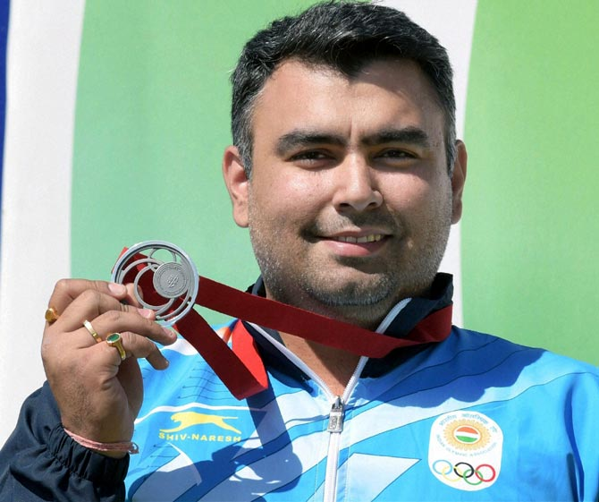 Gagan Narang celebrates with the silver medal