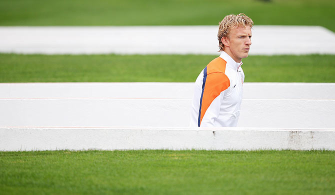 Dirk Kuyt walks out of the tunnel during the Netherlands training session at the 2014 FIFA World Cup Brazil held at the Estadio Paulo Machado de Carvalho Pacaembu