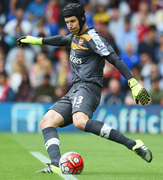 Arsenal's Cech to make return at Hull