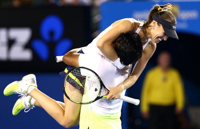 Leander Paes and Martina Hingis celebrate