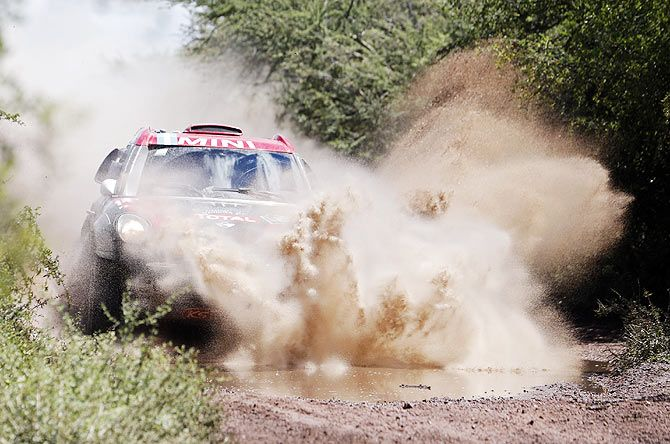 Mini driver Orlando Terranova of Argentina drives during the 12th stage of the Dakar Rally 2015 from Termas de Rio Hondo to Rosario on January 16