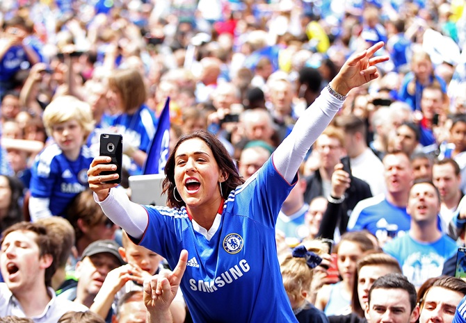 Chelsea fans enjoy the atmosphere