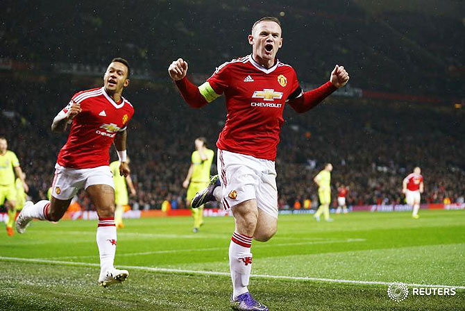 2d6e24aad Manchester United s Wayne Rooney celebrates scoring their first goal