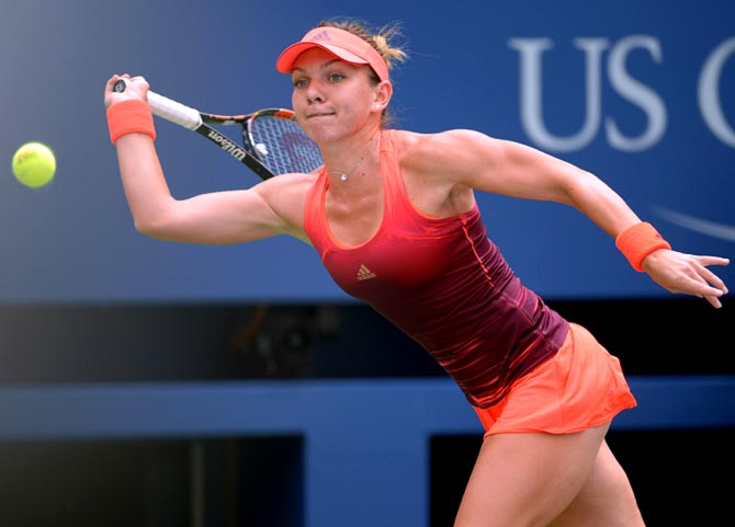 Simona Halep in action