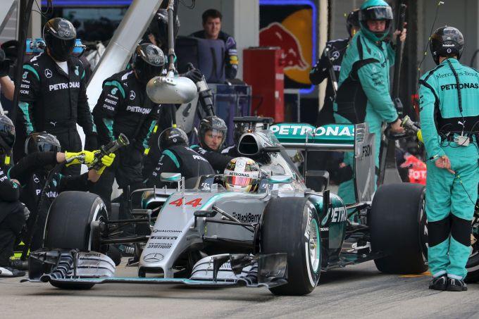 Lauda ponders the mystery of the vanishing Mercedes