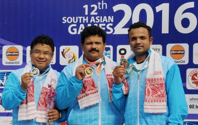 Gold medal winner Samaresh Jung (centre), silver winner Pemba Tamang (left), and bronze medalist Vijay Kumar