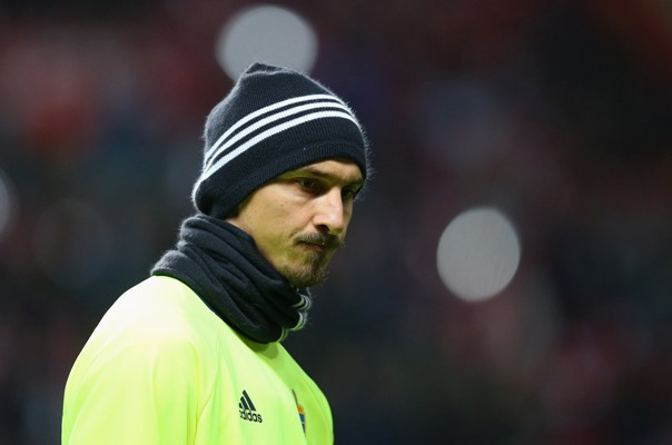 Ibrahimovic apologises to United fans for Arsenal suspension
