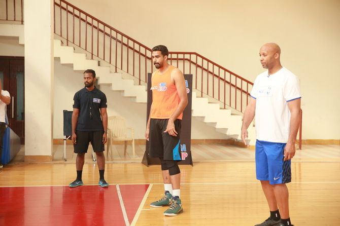 Brian Shaw with AGC-NBA winner Palpreet Singh at ACG NBA Jump national camp in Noida on February 25