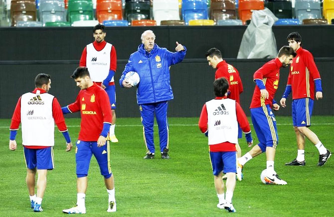 Spain's coach Vicente del Bosque gestures during a training session