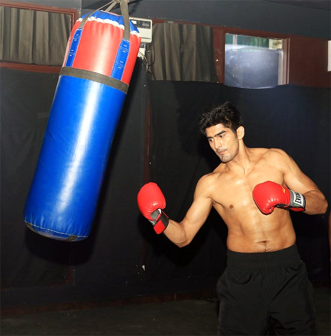 Rediff Sports - Cricket, Indian hockey, Tennis, Football, Chess, Golf - Nothing comes easy in boxing: Vijender Singh