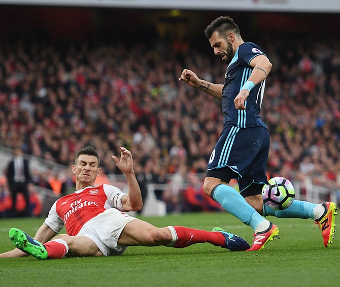 EPL PIX: Arsenal go on top; Spurs stay unbeaten