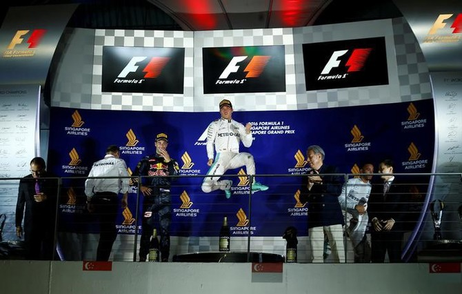 Rosberg celebrates 200th race with Singapore win