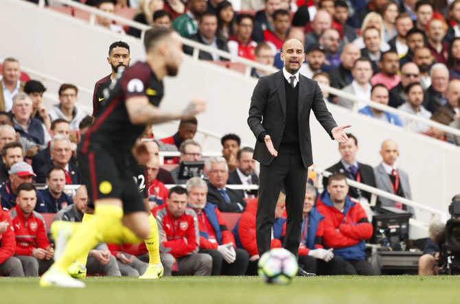 Guardiola's Manchester City remain unconvincing title challengers