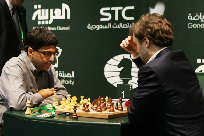 Viswanathan Anand (left) and Vladimir Fedoseev (right) compete for extra game on the day 4 of the King Salman Rapid & Blitz Chess Championships in Riyadh, Saudi Arabia, on Thursday. The Championship is taking place in Saudi Arabia for the first time with participation of 236 players from 70 countries