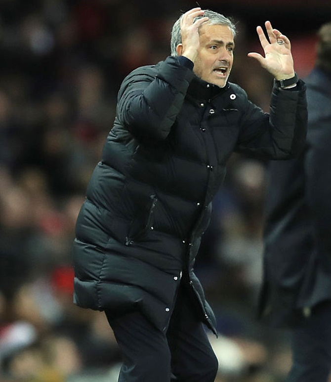 EPL heating up! Mourinho urges Shaw to develop football brain