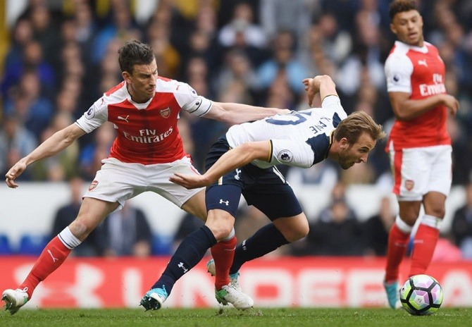 EPL: Spurs beat Arsenal to keep up title challenge