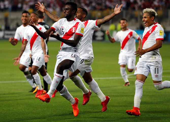 Peru overcome New Zealand to clinch final World Cup spot