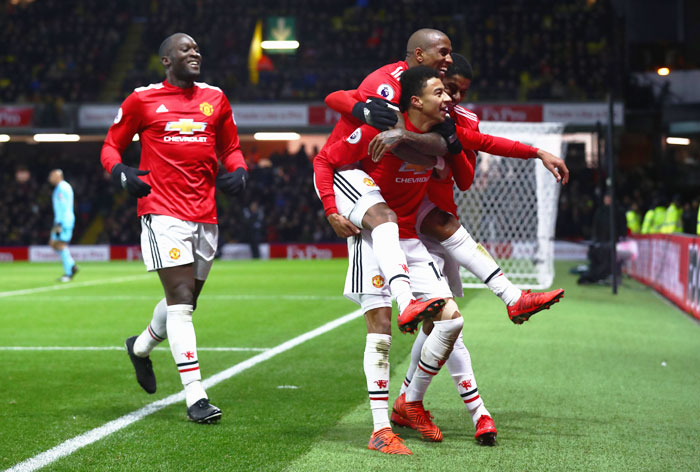 EPL PHOTOS: Man United stay in touch, Spurs slump at Leicester