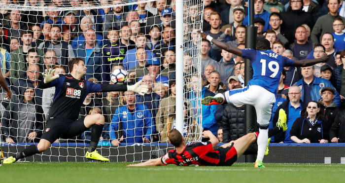 Everton's Oumar Niasse scores their first goal past Bournemouth's Asmir Begovic during their match at Goodison Park in Liverpool