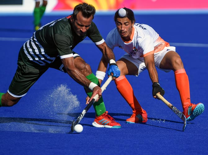Hockey: India surrender two-goal lead, held by Pakistan