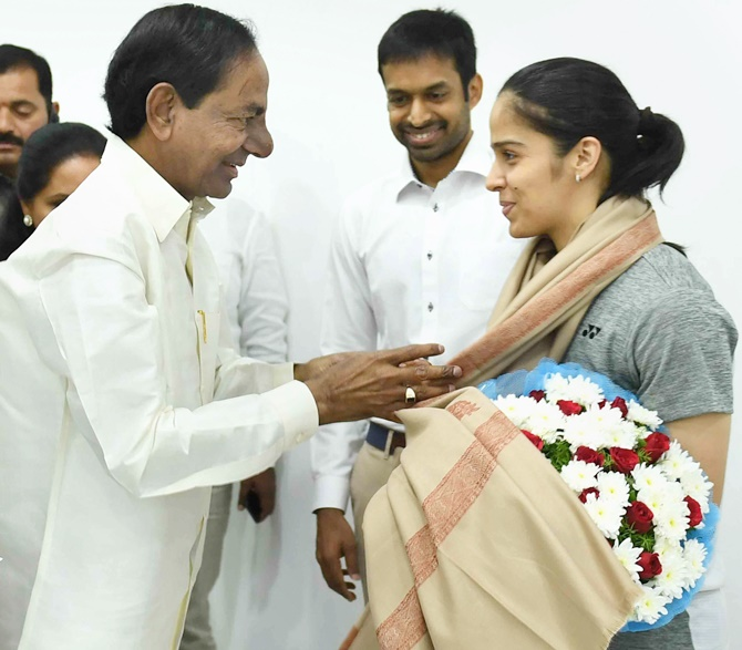 PHOTOS: Telangana CM felicitates CWG medal winners Nehwal, Sindhu