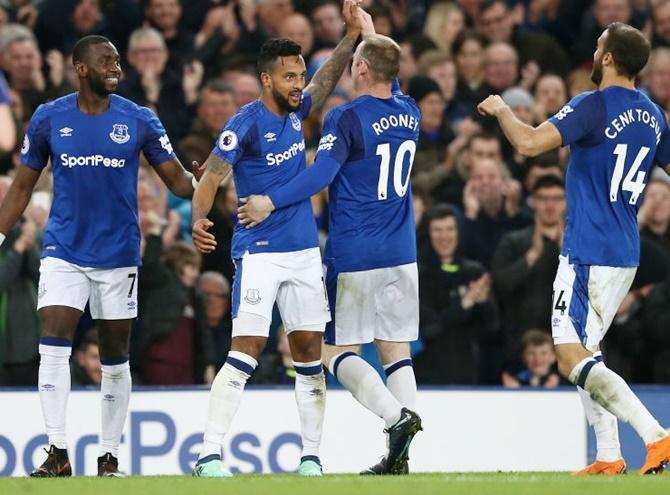 EPL: Walcott winner against Newcastle sends Everton eighth