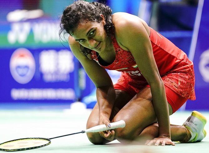 Sindhu shown door by Okuhara in Singapore semis