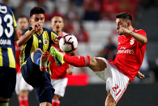 Champions League qualifiers: Ajax stumble, narrow win for Benfica