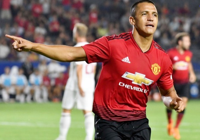 Football Extras: Solskjaer tells Sanchez, Lukaku to grab opportunities