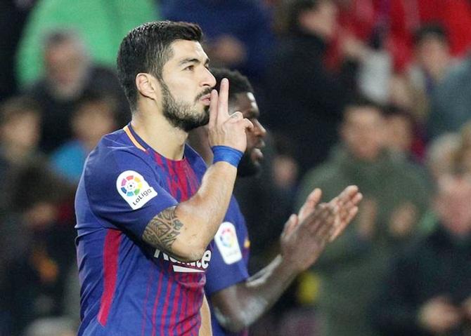 Football Extras: Will Barca struggle without Suarez?