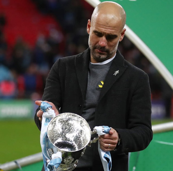 Guardiola vows to carry on wearing yellow ribbon