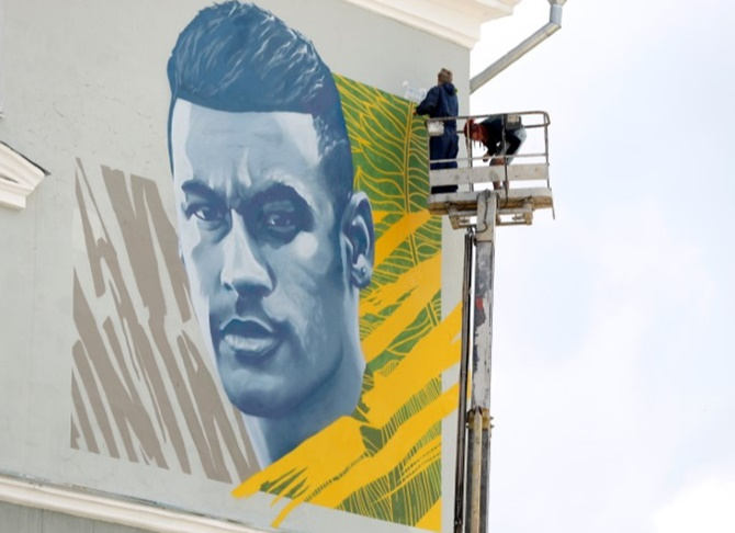World Cup diary: Neymar joins Messi and Ronaldo in Kazan mural club