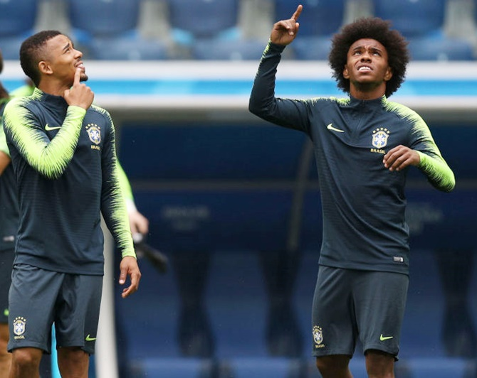 Willian aiming to send Chelsea team mate Hazard home early