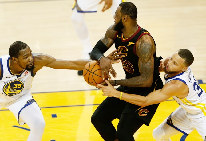 NBA Finals: LeBron's 51 points in vain; Warriors outlast Cavaliers