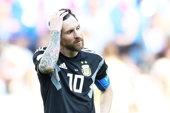 World Cup PIX: Messi misses penalty as Argentina held by Iceland