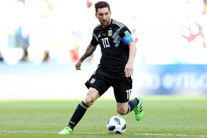 For many Argentines, while he may be the world's best player currently, Messi has not entered the same pantheon as Maradona who won the 1986 World Cup.