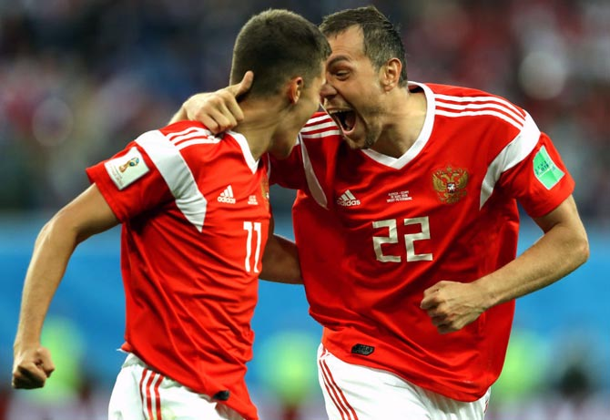 PICS: Russia on brink of last 16 berth after beating Egypt