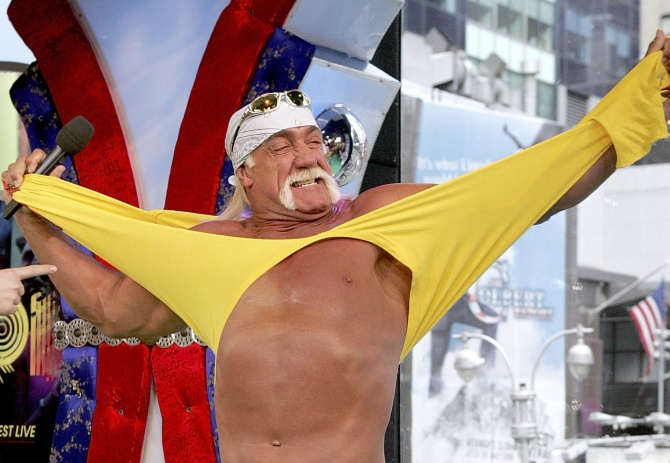 Wrestler Hulk Hogan gives the crowd a taste of 'Hulkamania'