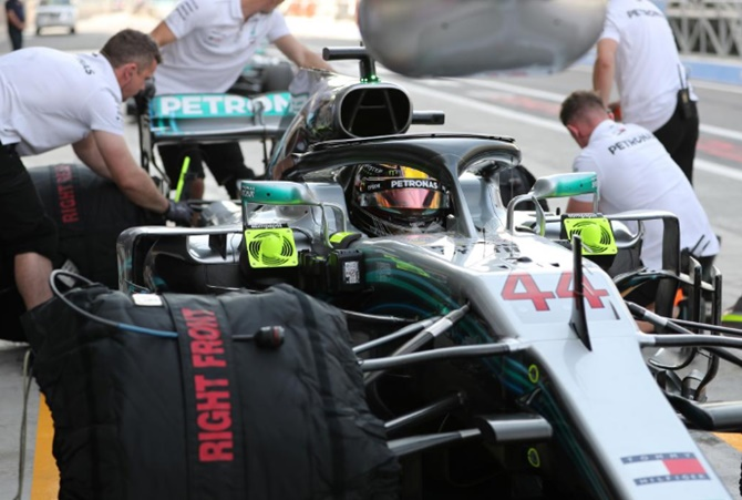 Rediff Sports - Cricket, Indian hockey, Tennis, Football, Chess, Golf - Hamilton on pole for final race of F1 season