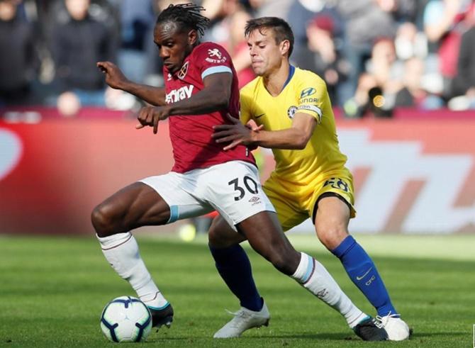 EPL PIX: Chelsea drop first points; Arsenal edge past Everton