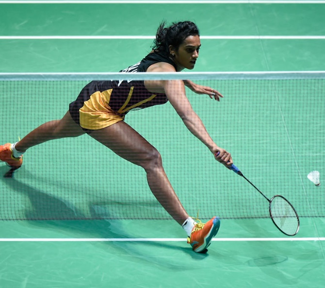 Badminton Worlds: Sindhu marches into semis