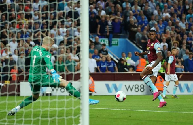 Villa get first EPL points with win over Everton
