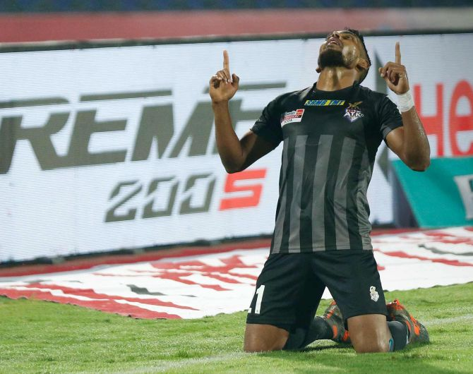 Indian football: ATK end NorthEast's unbeaten run