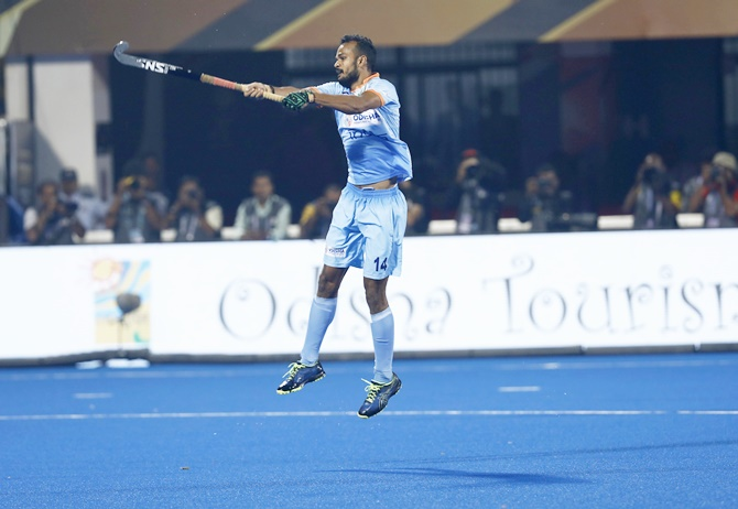 Shorts: Hockey India suspends 11 players after violence