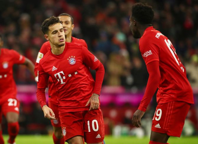 Extras: Coutinho tricks in Bayern's big win