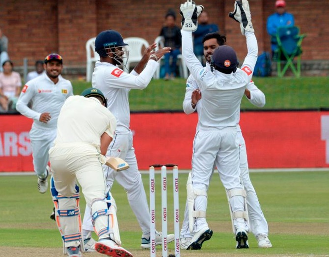 Rediff Sports - Cricket, Indian hockey, Tennis, Football, Chess, Golf - Sri Lanka seamers keep second Test versus South Africa in the balance