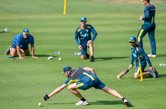 Rediff Sports - Cricket, Indian hockey, Tennis, Football, Chess, Golf - Hayden joins Aus players In the nets